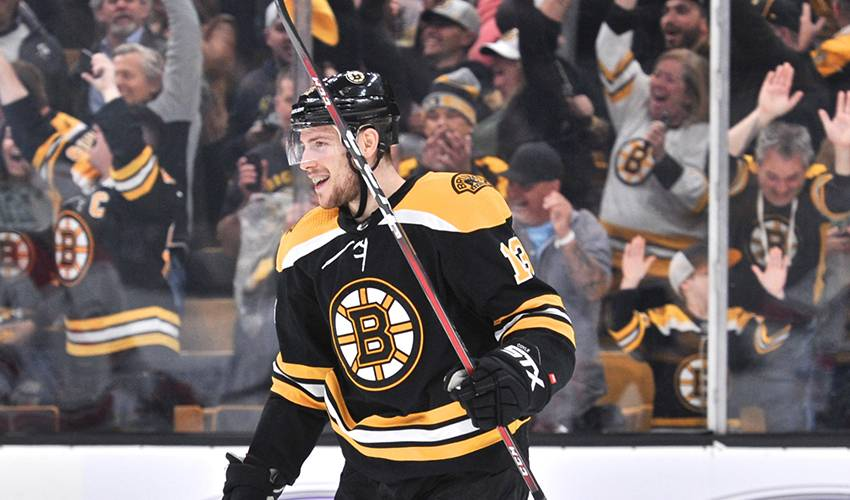 Charlie Coyle at home on postseason run with Bruins