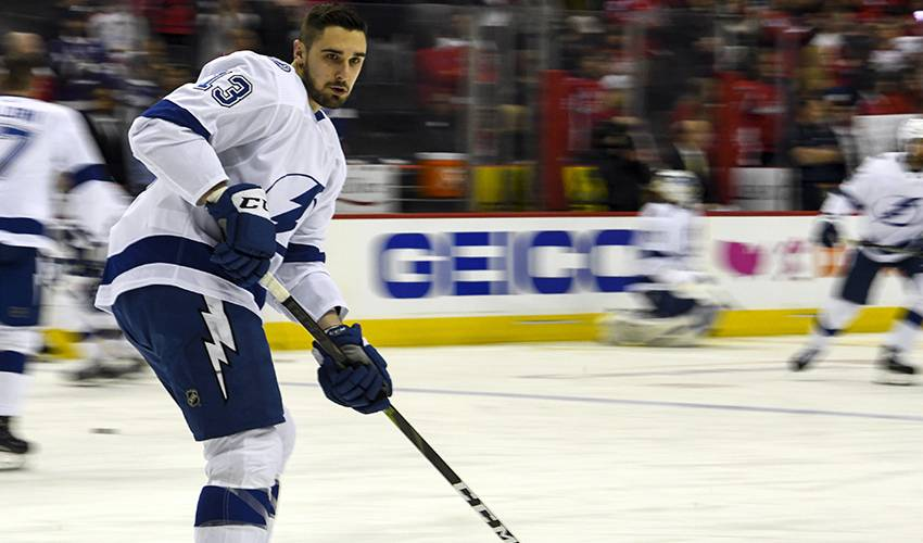 Lightning re-sign F Paquette to 2-year contract