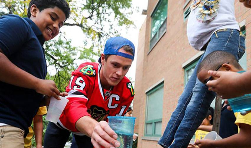 TOEWS PROMOTES HEALTHY LIVING