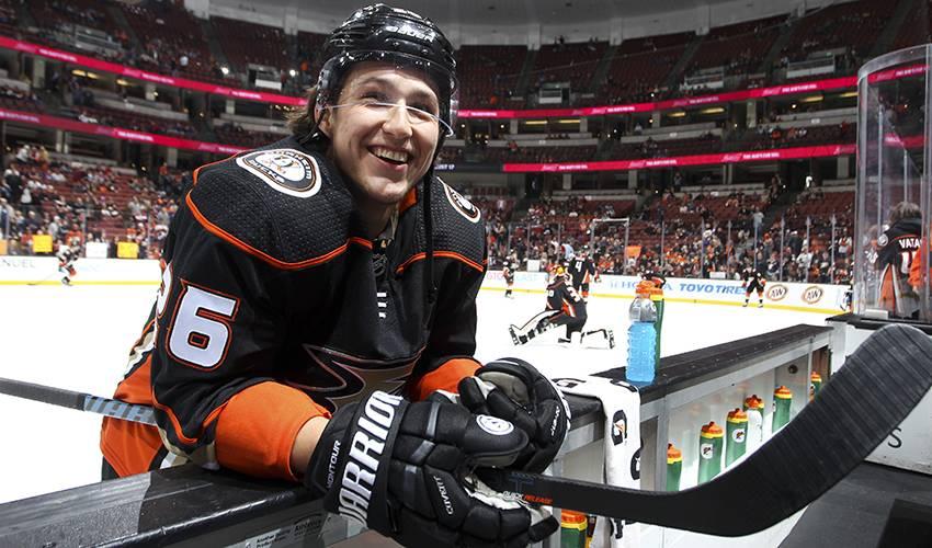 D Brandon Montour gets new 2-year deal with Anaheim Ducks