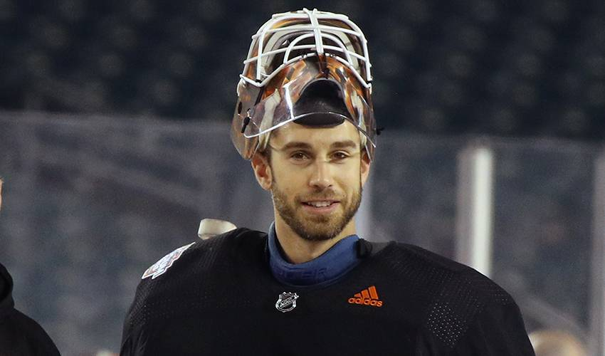 Calgary Flames sign former Oilers goaltender Cam Talbot to one-year contract
