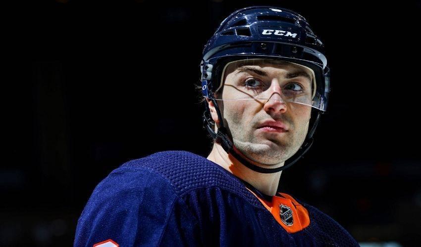 Islanders, defenseman Adam Pelech agree on 8-year contract