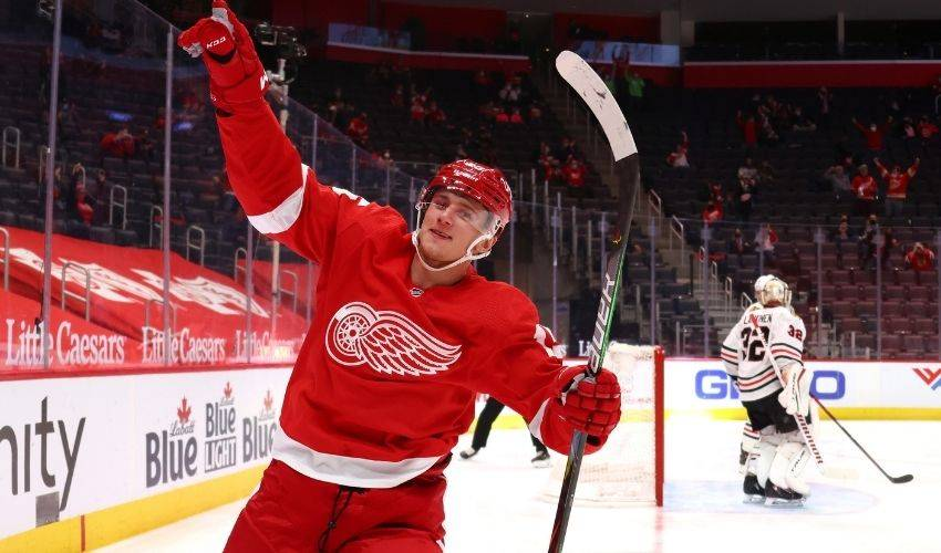 Red Wings agree to 3-year deal with Jakub Vrana
