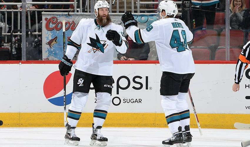 Sharks re-sign forwards Joe Thornton, Tomas Hertl