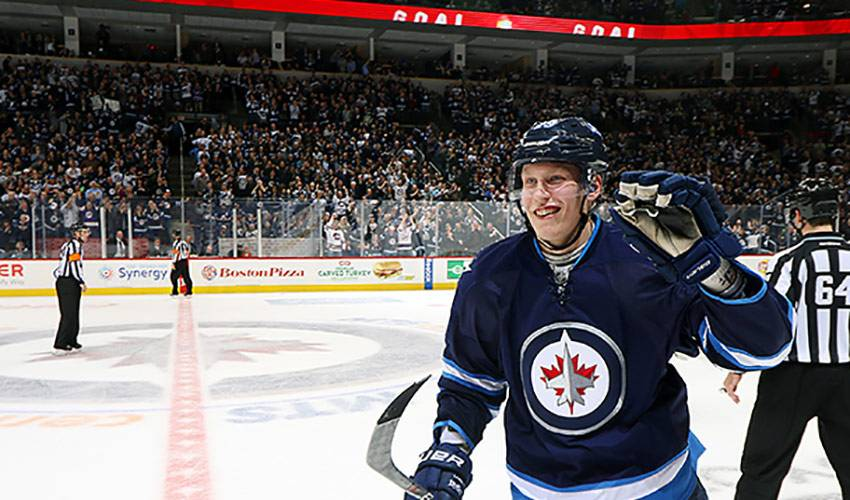 Laine draws praise from NHL greats