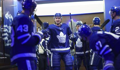 91fad85e2 Maple Leafs re-sign defenceman Justin Holl to two-year contract