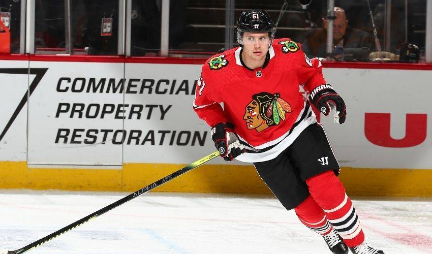 Blackhawks announce 3-year extension with D Riley Stillman