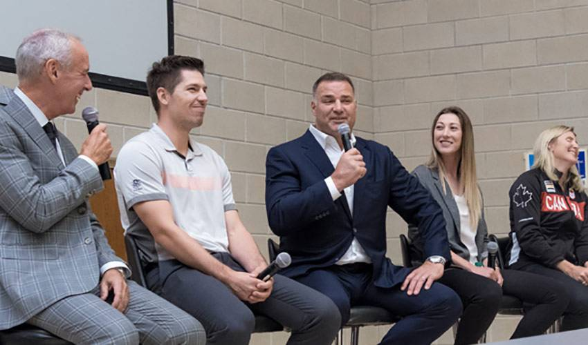 Couture, Lindros team up for concussion research