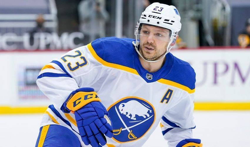 Florida Panthers sign newly added Reinhart to 3-year deal