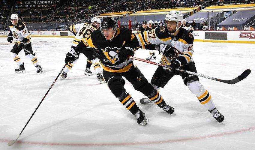 Malkin records 1,100th NHL point, leads Pens to win