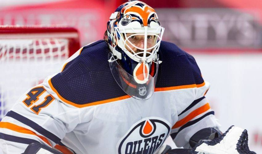 Oilers ink goalie Mike Smith to two-year extension