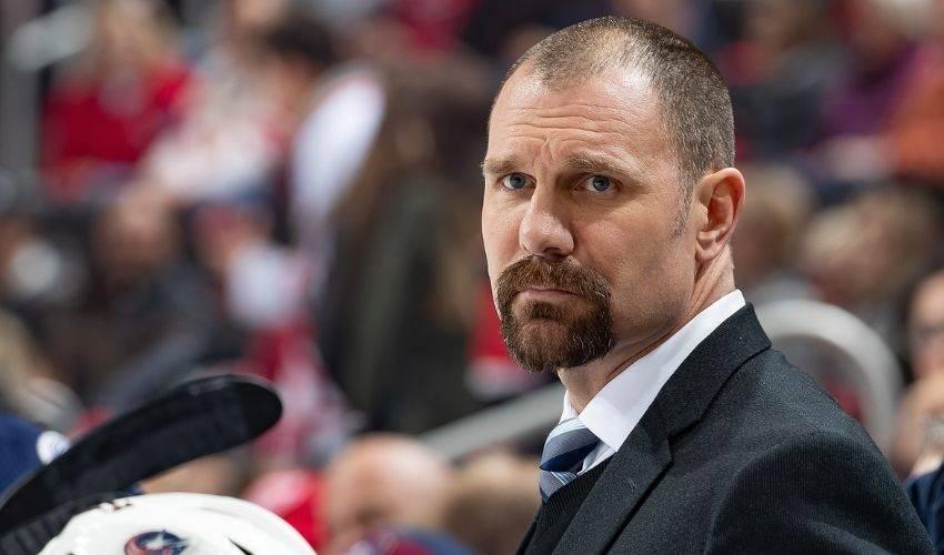 Blue Jackets promote Brad Larsen to head coach