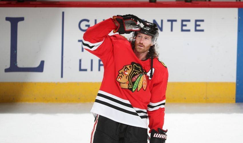 Oilers acquire veteran defenceman Duncan Keith in trade with Chicago