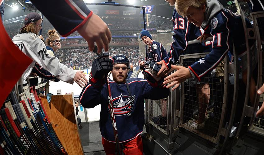 Blue Jackets sign defenceman Harrington to 3-year contract
