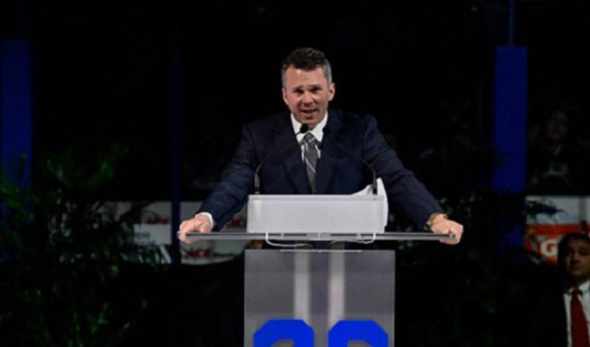 Hockey still the life for Martin St. Louis