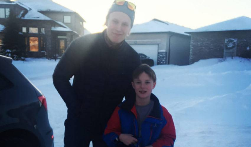 Patrik Laine Gives Young Fan A Belated Birthday Visit