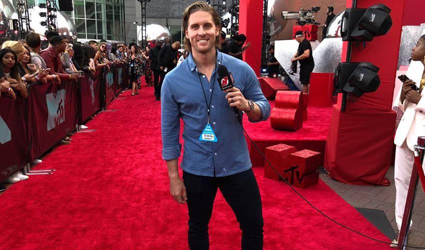 Coleman makes red carpet debut at VMAs