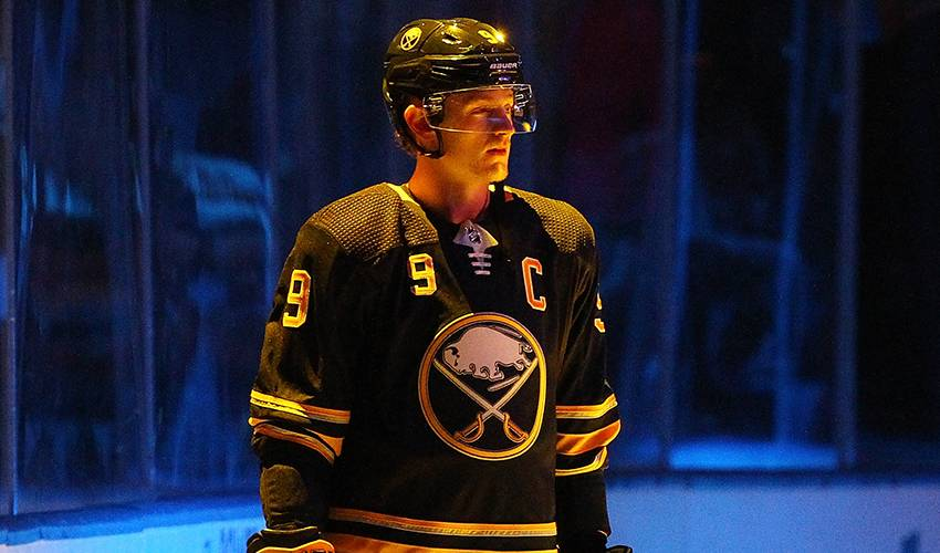 Player Q&A | Jack Eichel