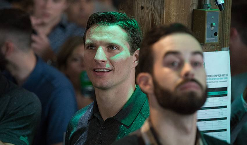 Roussel excited to finally suit up for Canucks