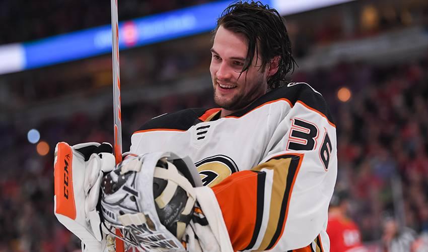 Ducks sign G John Gibson to 8-year, $51.2 million extension