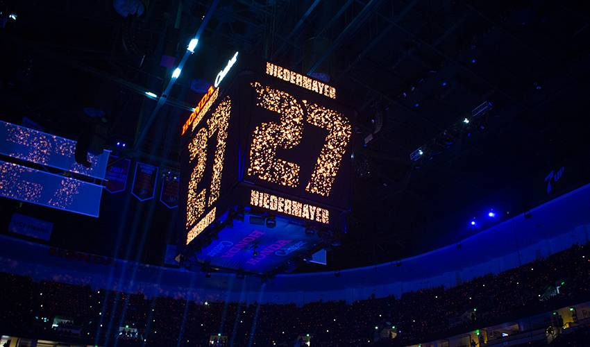 Ducks retire Hall of Fame defenceman Niedermayer's No. 27