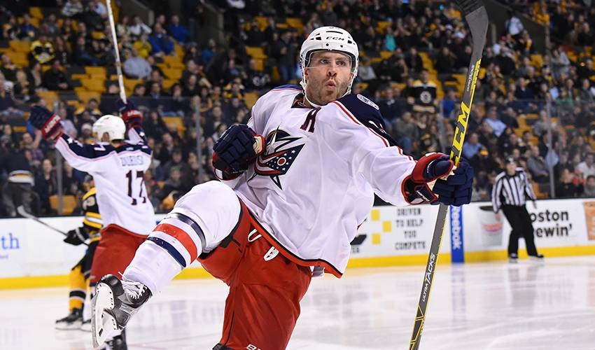 AP source: Blue Jackets give Jenner 4-year, $15M contract