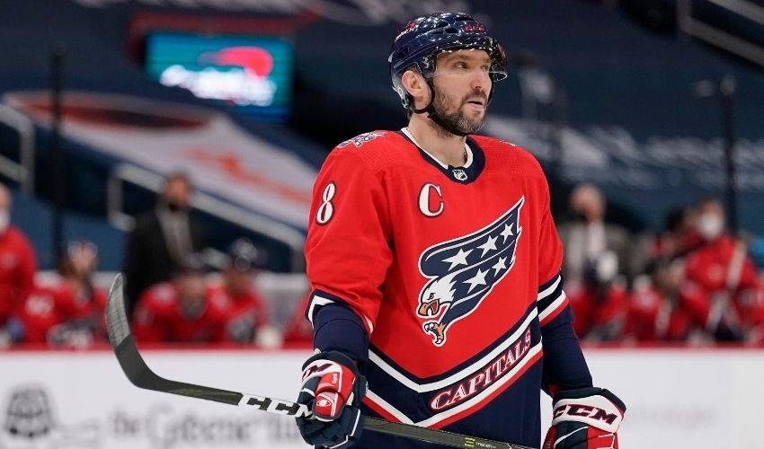 Ovechkin nets 718, passes Espo for 6th as Caps stop Isles