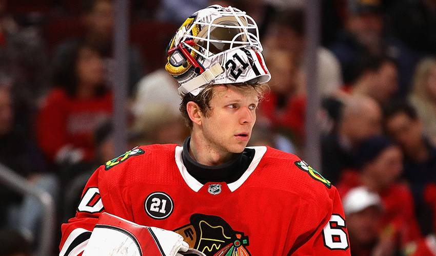 Blackhawks goalie Collin Delia agrees to 3-year extension