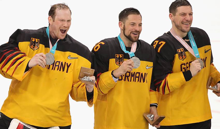Dennis Seidenberg proud of brother, Germany's silver effort