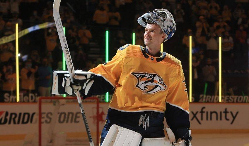 Predators' Rinne wins Clancy Trophy for leading on, off ice