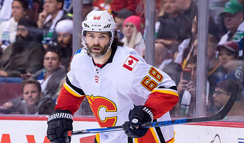 Jagr guiding Flames' youth by example