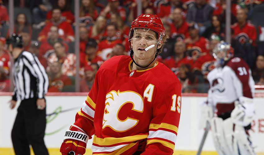 Calgary Flames get Tkachuk back under contract with three-year deal