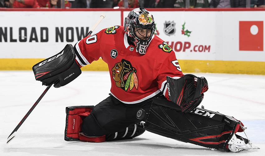 Blackhawks goalie Corey Crawford suffers a concussion