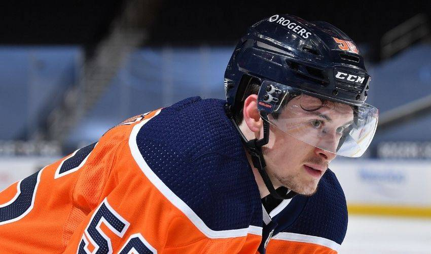 Edmonton Oilers re-sign forward Kailer Yamamoto to one-year contract