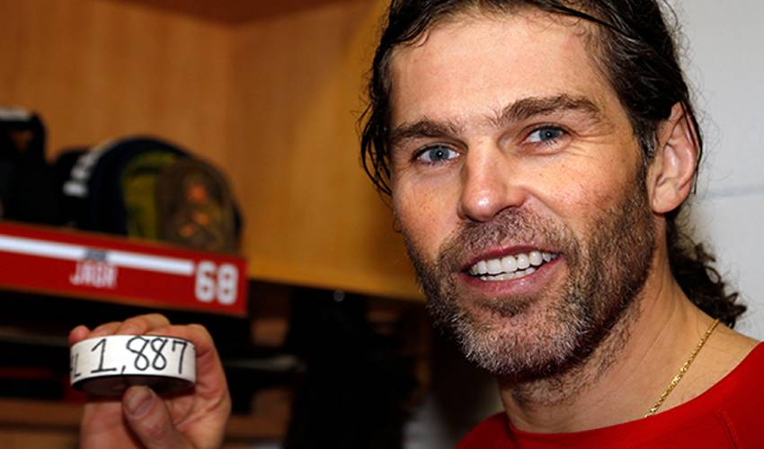 Teammates weigh in on ageless Jagr